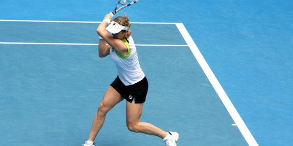kim-clijsters-playing tennis